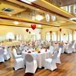 Okrągłe stoły na przyjęciach, zdobywają coraz większą popularność